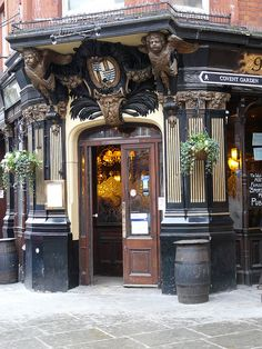 The Salisbury pub, St Martin's Lane, London