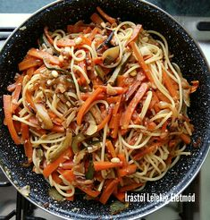 A legfinomabb zöldséges tészta hétköznap estére | Írástól Lélekig Életmód Magazinja Pasta Recipes, Diet Recipes, Vegetarian Recipes, Healthy Recipes, Scallop Recipes, Chinese Food, Quick Meals, Food Porn, Food And Drink