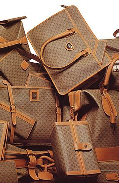 Molly: We need several purses. In this picture we see that Gucci was into box forms in the eighties.