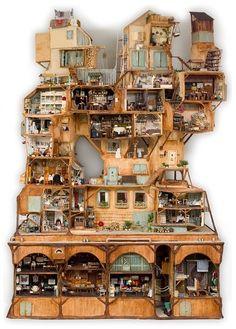 Нужны ли в коллекционном мини-домике жители-куклы? Люди, профессионально занимающиеся изучением миниатюры, и простые любители так и не пришли к однозначному…