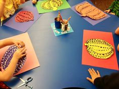 Inspired Artwork by 1st grade kids        This is a fabulous art lesson to learn about a current artist and an alternative way to cr...