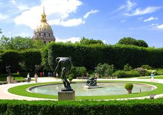 I definitely want to see all the sculptures in the Jardin du Musee Rodin...and the garden part is free! (a lot of my life in Paris will be on a budget ;-) ).