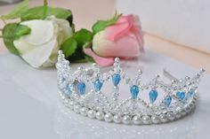 The white wedding crown is made of pearl and crystal for bridesmaid, this tutorial will show u the simple way to make the pearl crown. Hope u will like and enjoy the process.