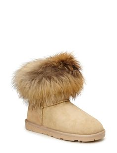 Boot with fur