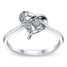 I would love a heart engagement ring
