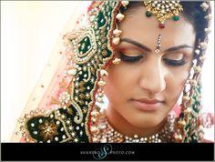 natural lip with smokey eyes for bridal makeup | courtesy Shandro Photography | www.shaadibelles.com