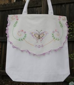 Tote Bag with a  vintage embroidered linen.