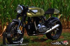 Dig the cafe racer treatment on this Ducatti, but it's all about the fenders for me here