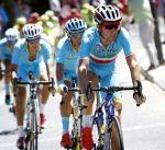 Tour d'Espagne: Nibali exclu pour rétro-poussette, une décision dure mais juste - La victoire du jeune Colombien Esteban Chaves (Orica-GreenEDGE) est presque passée inaperçue ce dimanche soir, dans le sud de l'Espagne. Vainqueur au sommet de l'abrupte montée de Caminito del Rey, sur une pente à 7,9% de moyenne, le nouveau leader de la Vuelta a été éclipsé par la décision du jury des commissaires d'ex