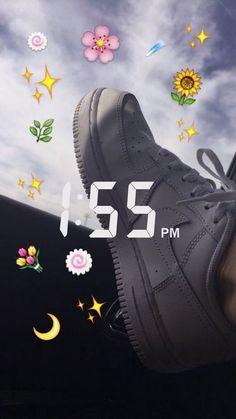 This is a wallpaper emoji❤ Emoji Wallpaper, Tumblr Wallpaper, Aesthetic Iphone Wallpaper, Snapchat Streak, Emoji Pictures, Snapchat Picture, Cute Emoji, Tumblr Photography, Instagram Story Ideas