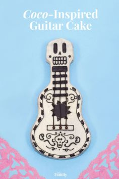 Make this delicious Coco-themed cake inspired by a very important element of the film: the symbolic guitar. Your kids will love the design and the moist chocolatey center, vanilla buttercream frosting, and candy details. Coco Disney, Disney Pixar, Disney Food, Coco Film, 4th Birthday, Birthday Parties, Unicorn Birthday, Birthday Ideas, Birthday Cake
