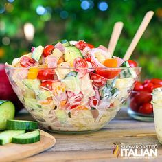 SERVES 8  |  ACTIVE TIME 15 Min  |  TOTAL TIME 15 Minutes Salad 1 (19 ounce) bag frozen cheese tortellini pasta 2 orange bell peppers, c...