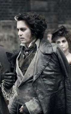 Sweeney Todd Scarf - Dizaster In A Halo Tim Burton Characters, Tim Burton Films, Young Johnny Depp, Johnny Depp Movies, High School Musical, Step Up, Sweeney Todd Costume, Mrs Lovett, Estilo Tim Burton