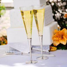 Personalized Royal Champagne Flutes - #Wedding #WeddingReception