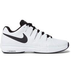 Shop men's tennis at MR PORTER, the men's style destination. Tennis Sneakers, Sneakers Nike, Mode Tennis, Mens Designer Shoes, Roger Federer, Innovation Design, Nike Free, Men's Shoes, Athletic Shoes