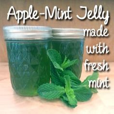 Jelly with Fresh Mint Homemade apple-mint jelly has a fresh, zippy taste that's so much better than the store-bought version.Homemade apple-mint jelly has a fresh, zippy taste that's so much better than the store-bought version. Mint Recipes, Jelly Recipes, Jam Recipes, Canning Recipes, Cooker Recipes, Recipies, Homemade Jelly, Jam And Jelly, Jelly Jelly