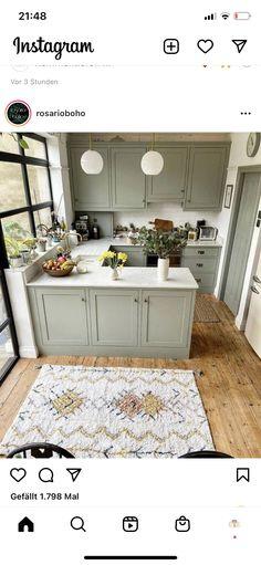 Kitchen Interior, Kitchen Decor, Old Farmhouse Kitchen, Living Room And Kitchen Design, Cheap Kitchen Remodel, Green Cabinets, Dining Nook, Dream Home Design, Kitchen Flooring