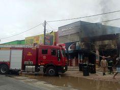 CONEXÃO BOMBEIRO : Bombeiros controlam incêndio em loja de tintas em ...