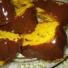 Receita de bolo fofo de cenoura - 6 unidades de cenoura média, 2 xícaras (chá) de Óleo de girassol, 6 xícaras (chá) de farinha de trigo, 5 xícaras (chá) de...