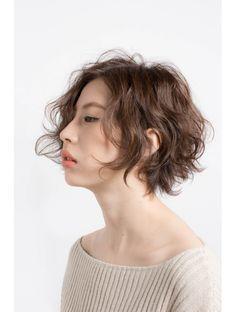 ミヤニシアクセス(miyanishi AX'S) 大人パーマショート Short Permed Hair, Permed Hairstyles, Short Hair Cuts, Short Shag Haircuts, Short Hairstyles For Women, Hair Styles 2016, Curly Hair Styles, Cabello Hair, Hair Arrange
