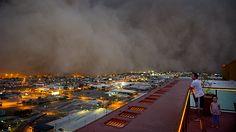 Dust Storm Over Phoenix AZ. Result for http://www.latimes.com/media/photo/2011-07/63026263.jpg