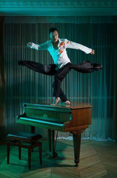 tri nguyen dancing on piano www.tringuyen.fr