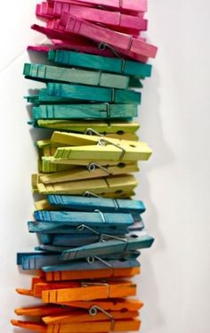 appleinmyheart:    Colorful ClothesPins