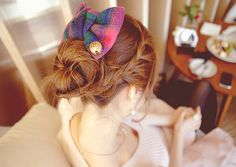 this easy updo is incredibly cute and casual