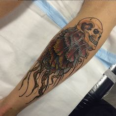 Would this be considered a skully-fish? #InkedMagazine #tattoo #skull #jellyfish #tattoos #inked #ink #art
