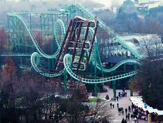 Okay...I see the roller coaster...but whatever that wavy scrunched up thingy is, I have no idea. o.O It is in Gardaland in Italy.