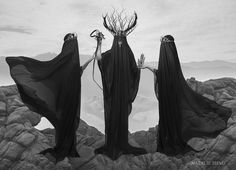We put together a collection of some of our absolute favorite creepy art so turn off the lights, take a deep breath and start scrolling. Religion Wicca, Dark Fantasy, Fantasy Art, Desenhos Tim Burton, Arte Obscura, Dark Photography, Creepy Photography, Photography Magazine, Editorial Photography