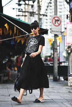 Bangkok Streetstyle: Plisee Rock // Mules & Bandshirt Thailand Reise Erfahrungen Stadt The Fashion Anarchy Mode und Lifestyle Blog aus München