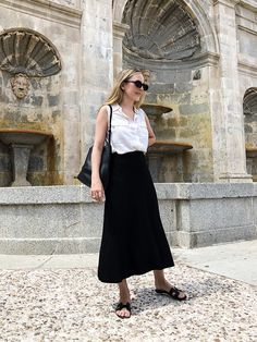 Content filed under the Outfits category. Slide Shoes, Lace Skirt, Midi Skirt, White Summer Outfits, Summer Wear, Summer Time, Vintage Jeans, Style Icons, Black And White