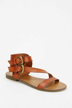 Ecote Mara Double-Buckle Sandal | Urban Outfitters | $34 (5-star reviews- out of ten) **BOUGHT AND THEY FEEL AWESOME!**