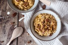 The most delicious porridge of the season combines oats and sweet potato with a dash of warm notes from cinnamon and cardamom. What's For Breakfast, Breakfast Snacks, Breakfast Bowls, Delicious Breakfast Recipes, Brunch Recipes, Oats Recipes, Gluten Free Breakfasts, My Favorite Food, Favorite Recipes