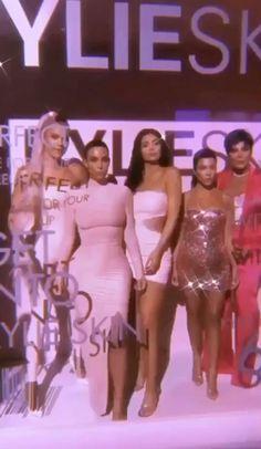 Kylie Jenner Gif, Trajes Kylie Jenner, Estilo Kylie Jenner, Kendall Jenner Style, Kendall And Kylie, Kyle Jenner, Kylie Jenner Lipstick, Girl Gang Aesthetic, Aesthetic Movies