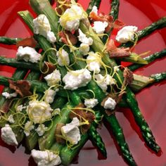 It's Michigan asparagus season and fans of Michgan spears have reason to rejoice: More home-grown asparagus is making its way to local stores, farmers markets and farm stands. Here are five ways to all that asparagus to use.