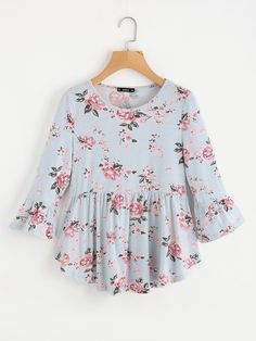SheIn offers Rose Print Curved Smock Tee & more to fit your fashionable needs. Girls Fashion Clothes, Teen Fashion Outfits, Girl Fashion, Clothes For Women, Designer Kurtis, Jw Mode, Stylish Dresses For Girls, Stylish Tops, Mode Hijab