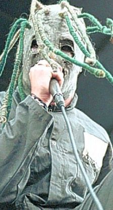 Metalheads' favourtie Corey Taylor of Slipknot and violinist Jennifer Pike