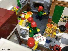 Italian Restaurant Lego Food, Lego Lego, Lego Pizza, Lego Batman, Batman Logo, Construction Lego, Lego Christmas, Lego Modular, Cool Lego Creations