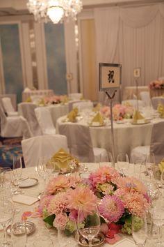秋の装花 ホテルニューオータニ様へ 4シェアできる卓上装花 : 一会 ウエディングの花