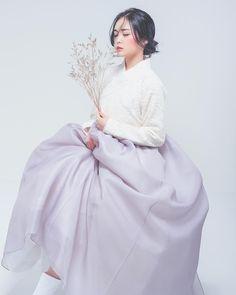Korean Fashion – How to Dress up Korean Style – Designer Fashion Tips Korean Traditional Clothes, Traditional Fashion, Traditional Dresses, Korean Dress, Korean Outfits, Korean Fashion Trends, Asian Fashion, Dress Outfits, Dress Up