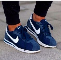 NIKE Women's Shoes - navy blue Nike Cortez Im in love with these shoes ! - Find deals and best selling products for Nike Shoes for Women Nike Cortez Bleu, Nike Cortez Mens, Running Sneakers, Nike Running, Nike Sneakers, Running Shoes, Nike Shoes Cheap, Nike Free Shoes, Nike Shoes Outlet