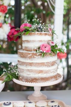 Naked white cake top