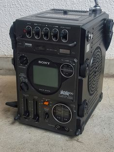 Check out the site click the link for further alternatives technology etf Radios, Power Tv, Hard Surface Modeling, Old Computers, Prop Design, Retro Futuristic, Mechanical Design, Cool Technology, Boombox