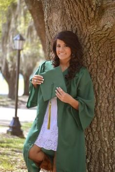 definitely bring your cap and gown to the shoot. College Graduation Photos, College Graduation Pictures, Graduation Picture Poses, Graduation Portraits, Graduation Photography, Graduation Photoshoot, Grad Pics, Senior Photography, Nursing Graduation