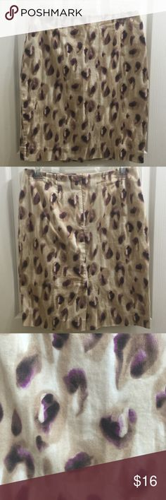 Rosette Pencil Skirt by Evan Picone Leopard spots or rosettes in dark purple and brown on a cream colored stretch skirt. Back invisible zipper w hook and eye closure. Also has flap slit in back. EUC Feel free to make a reasonable offer. Not sure what's reasonable? Check out the chart at the top of my closet ☺️ Evan Picone Skirts Pencil