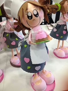 cocineras Foam Crafts, Diy And Crafts, Arts And Crafts, Girl Dolls, Baby Dolls, Creative Box, All Craft, Soft Dolls, Diy Food