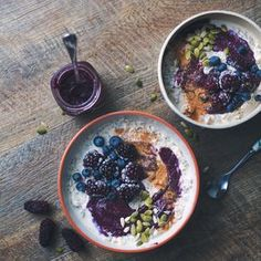Hazel & Cacao | Vegan Overnight Oats with Blackberry Chia Jam Swirl