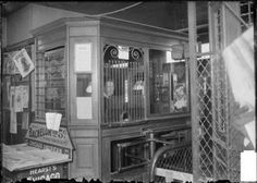 "Fullerton Avenue ""L"" station ticket booth, Lincoln Park, February 2, 1904"